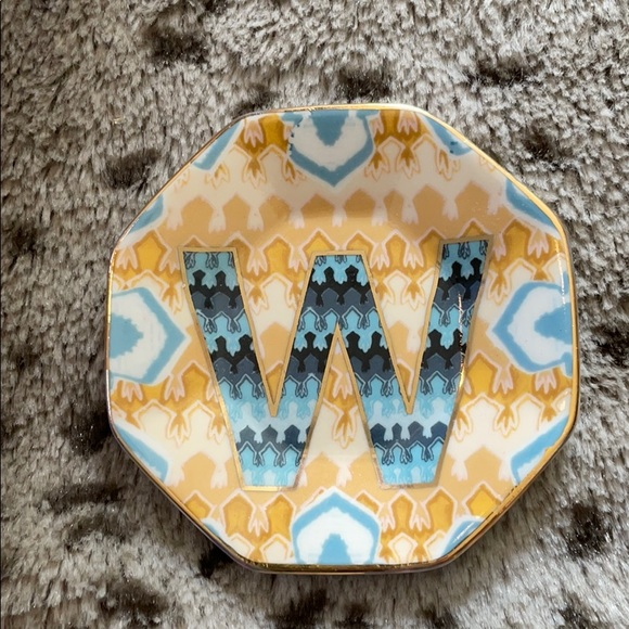 Anthropologie ring dish letter W brand new